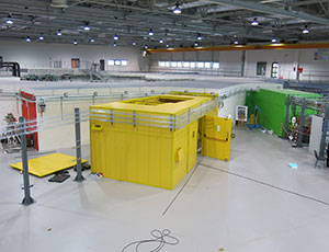 PHELIX beamline - undulator installation and hutch construction